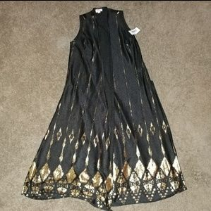 "❗LULAROE❗Elegant Black & Gold ""Joy"" Size small"